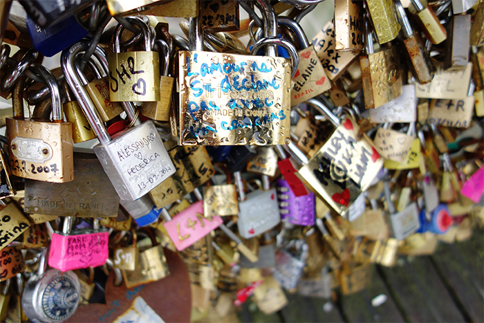 bridge-love-locks-paris