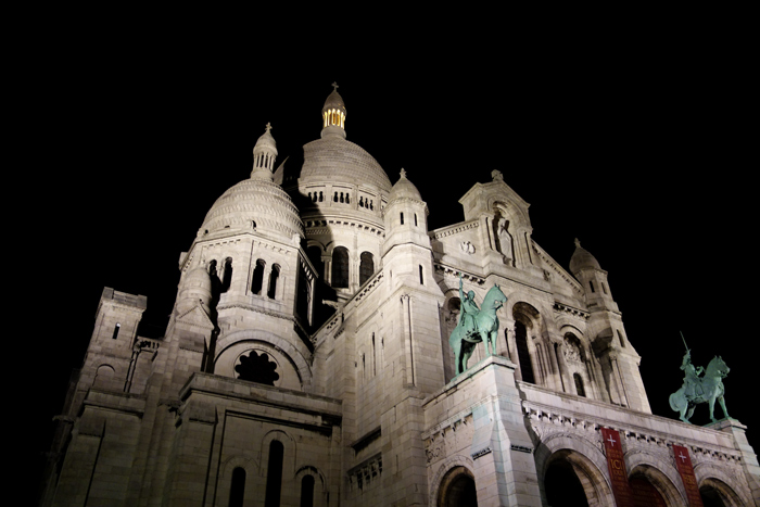 paris-sacre-coeur-at-night
