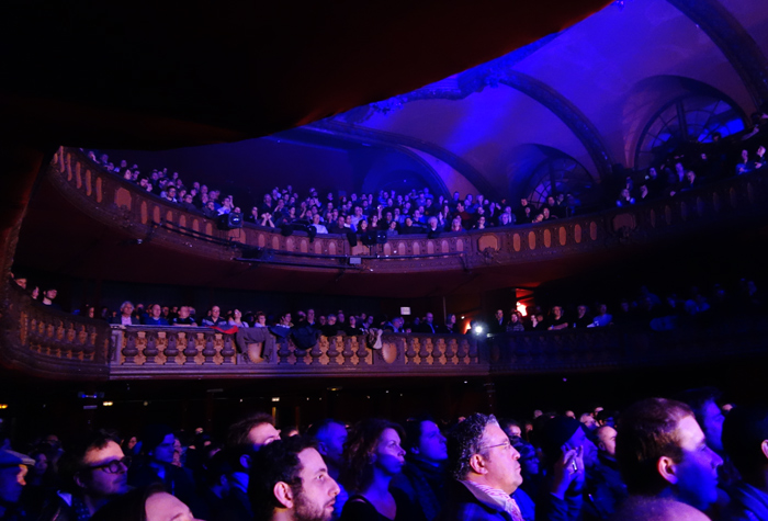 trianon-paris-crowd