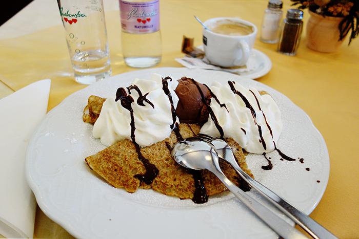 gundel-pancake-lake-bled-slovenia-dessert