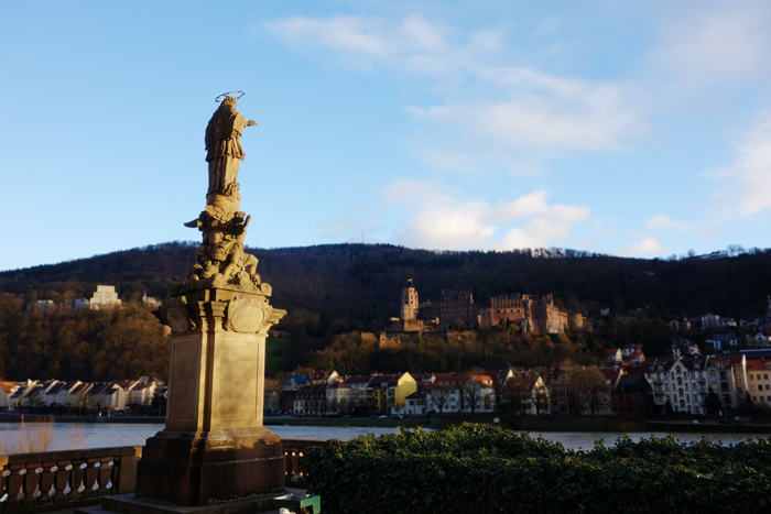 heidelberg-statue-river-castle-view