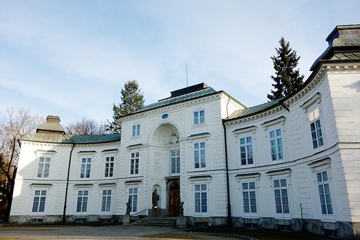 Myślewicki-Palace-warsaw-lazienki-park