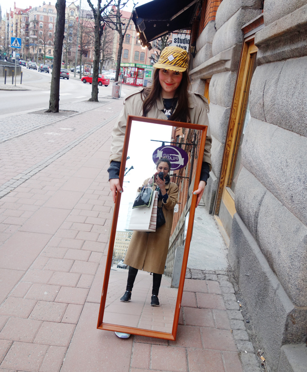 gothenburg-mirror-selfie-fiona