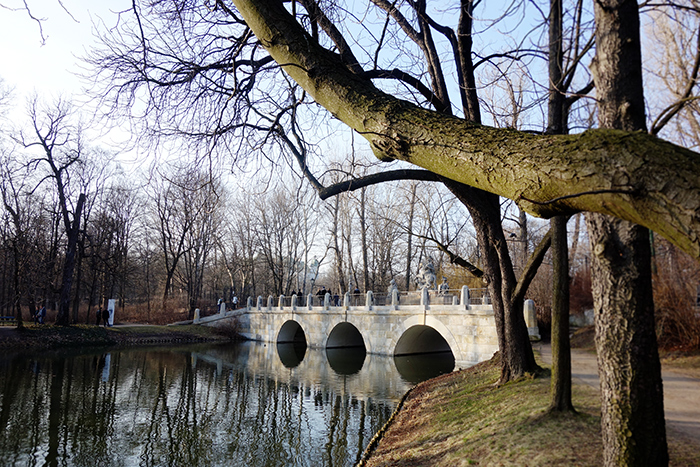 warsaw-lazienki-park-bridge