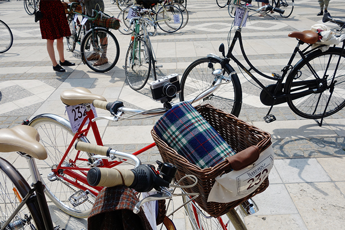 tweed-run-camera-bike