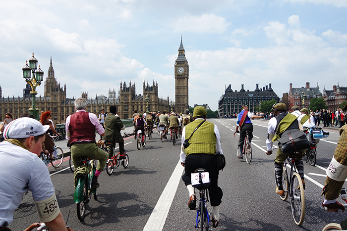 tweed-run-westminster-bridge
